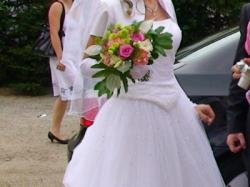 Suknia ślubna ,dodatki gratis