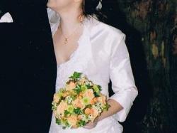 suknia ślubna ecru z bolerkiem