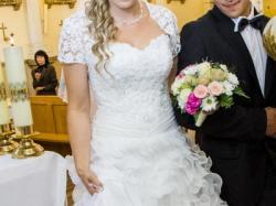 Suknia ślubna, falbanki