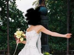 Suknia ślubna firmy Gala w kolorze ecru