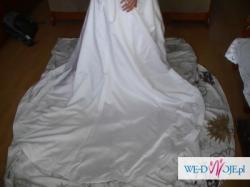 Suknia ślubna firmy Orea Sposa z bolerkiem