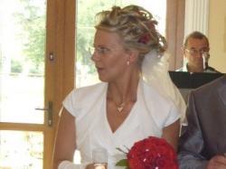 suknia slubna firmy Sarah 2506 biała