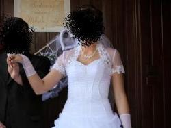 Suknia ślubna firmy Sarah z kolekcji Magic, model 2908 + 2920