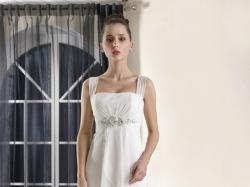 Suknia ślubna Fulara & Żywczyk dla niskiej drobnej Panny Młodej