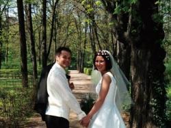 suknia ślubna HERMS model Telma w kolorze ecru.