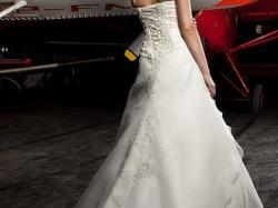 Suknia Ślubna Kolekcja 2012 Majesty Annais