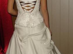 suknia ślubna kolor jasny ecri