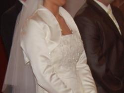 suknia ślubna koloru ecru, jednoczęściowa
