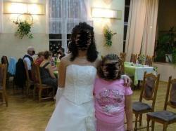 Suknia ślubna koloru jasny ecru