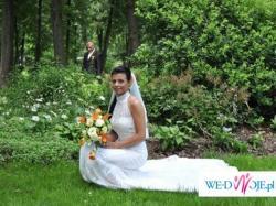 Suknia ślubna koronkowa zdobiona kryształkami