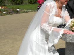 Suknia ślubna + koronkowe bolerko Elizabeth Konin (komplet)