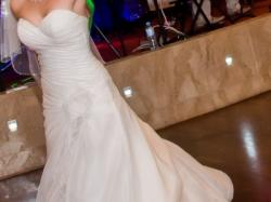 Suknia ślubna Lisa Ferrera 60% taniej!