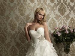 Suknia ślubna Madonna Allure Bridals 2012 r. 36