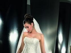 Suknia ślubna model DEMETRIOS 974