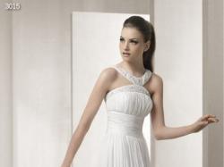 Suknia ślubna na wzór  White One 3015