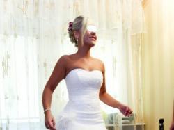 Suknia ślubna- piękna, śnieżnobiała