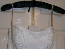 Suknia ślubna projektu Marka Lesleya