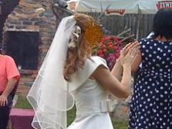 Suknia ślubna - Pronovias 2011, subtelna i urocza