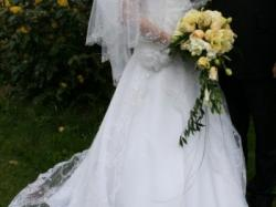 Suknia ślubna r.36-38, biała, koronka. koło i bolerko gratis!