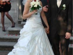 Suknia ślubna r.38 ecru TANIO