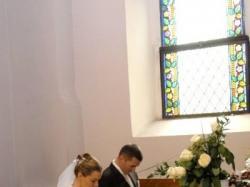 "suknia ślubną śnieżnobiała, szyta na wzór ""Gracia"" marki Divina Sposa"