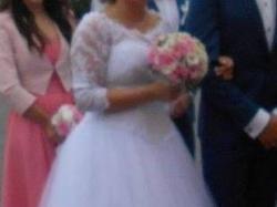Suknia ślubna -typu księżniczka