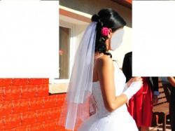 Suknia ślubna typu princessa r. 36/38 -plus gratisy!