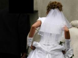 Suknia ślubna w kolorze białym