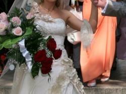 Suknia ślubna w kolorze jasnego cappucino