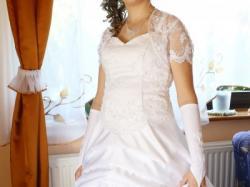 Suknia ślubna w stylu a'la hiszpanka