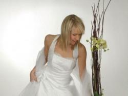 suknia ślubna wdzięk i elegancja