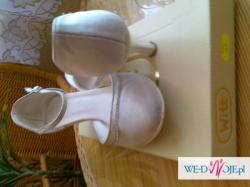 suknia ślubna + welon + buty ślubne