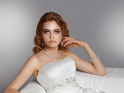 Suknia ślubna włoskiej firmy Herm's rozmiar 38