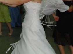 suknia ślubna z dadatkami tanio