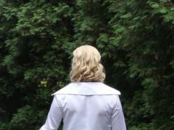 Suknia ślubna z długim płaszczem