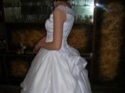suknia ślubna z dodatkami cena do uzgodnienia