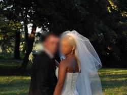 Suknia ślubna z kamieniami swarowskiego