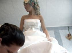 suknia ślubna z kokardką z projektu Meggie Sottero Bianca r.38 śmietankowa
