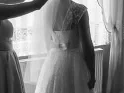 Suknia ślubna z koronką rozmiar 38