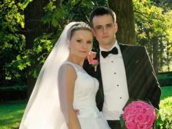 Suknia ślubna z koronki kolekcja 2013