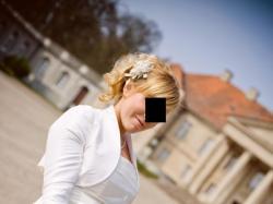 Suknia ślubna z małym brzuszkiem