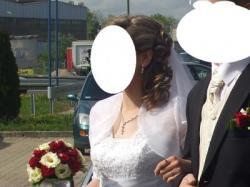 Suknia ślubna z organtyny w kształcie litery A