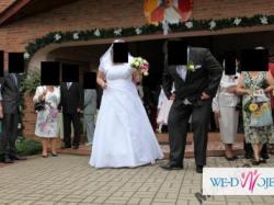 Suknia ślubna z pięknymi aplikacjami, rozmiar 50
