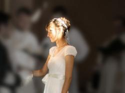 Suknia ślubna z rękawkami