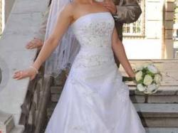 Suknia ślubna z Romance od Annais Bridal Millie
