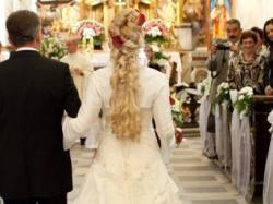Suknia ślubna z salonu Annais Bridal model Asina kolor jasny ERCU + GRATISY