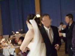 suknia ślubna z trenem (Sainson Blanche) + koronkowe bolerko