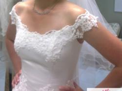 Suknia ślubna z trenem + welon i bolerko