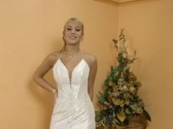 Suknia z kamieniami Swarovskiego