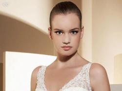Suknia z kolekcji 2009 White One model 450 MADONNA